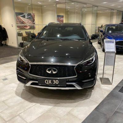 Infiniti QX30 Luxe Tech Wypożyczalnia samochodów luksusowych Mestenza Trójmiasto Rafał Grzebin